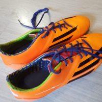 Paire de chaussures de foot Adidas pointure 41 1/3